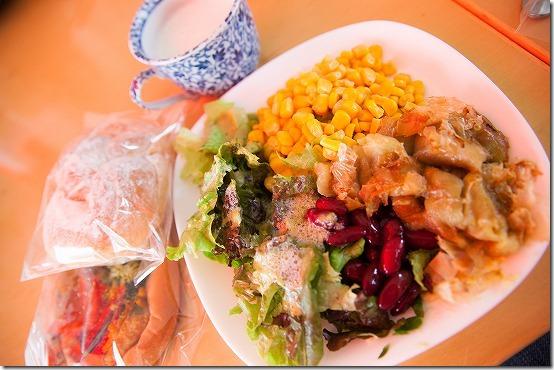 グローウェルカフェのモーニング サラダバー