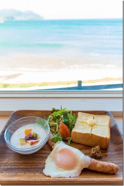 SURF SIDE CAFEのソーセージ モーニング