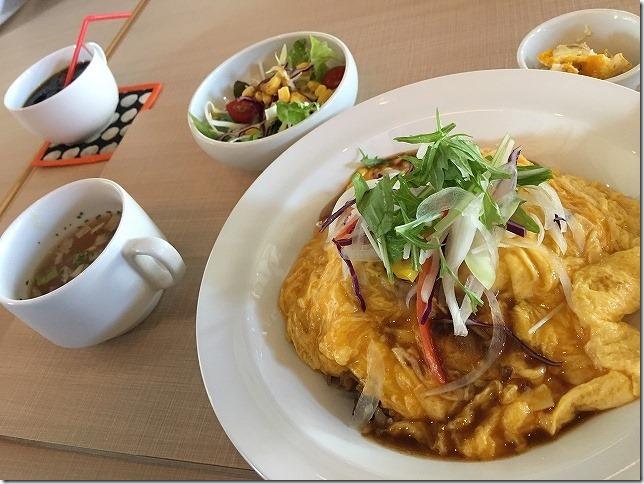 肉飯ランチ(オム肉めし) 夜カフェ