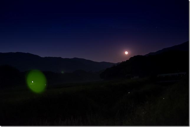 糸島、赤崎川のホタルと月