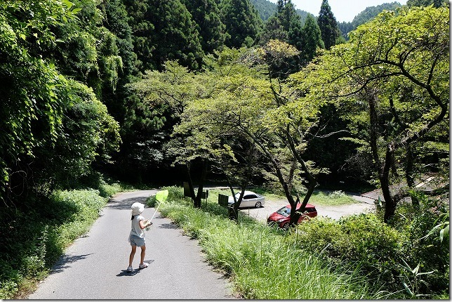 糸島、千寿院の滝の駐車場