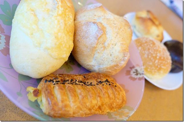 姪浜の阪急ベーカリー、100円パン