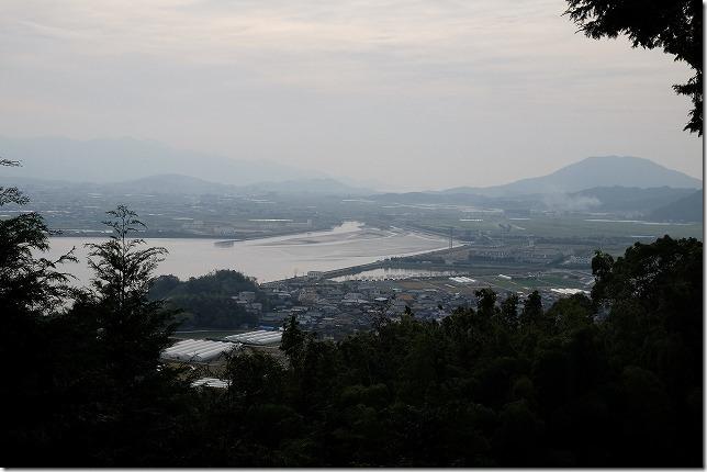 毘沙門山の登山道からの展望