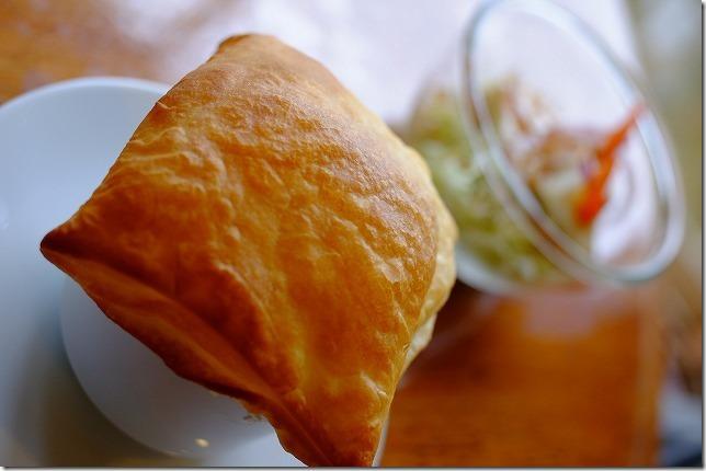 糸島カフェレストラン「でん」のパイ包みのスープ