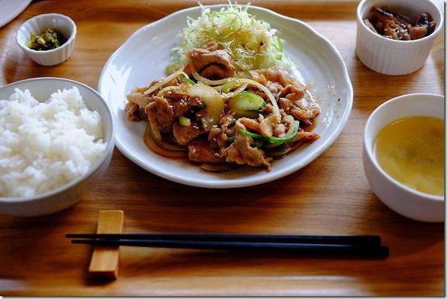 糸島カフェレストラン「でん」の生姜焼きランチセット