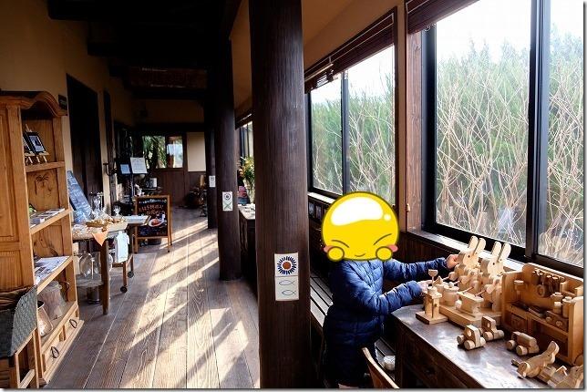 糸島カレントの店内、待合室