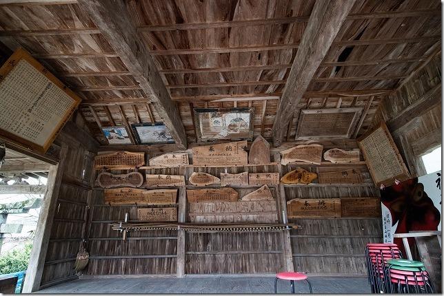 糸島、白山神社の神楽殿