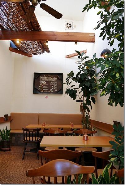 糸島、南蛮茶館の店内