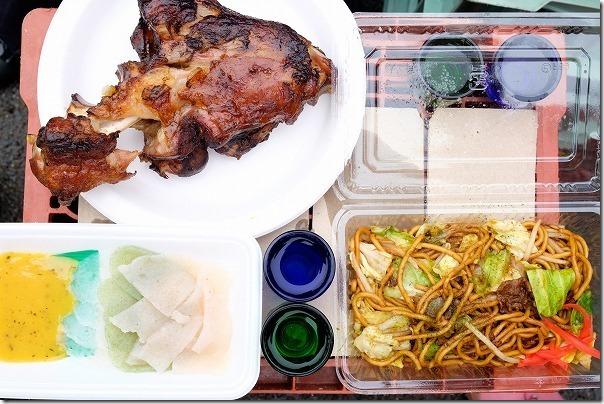 白糸酒造の蔵開き「ハネ木まつり」で食事