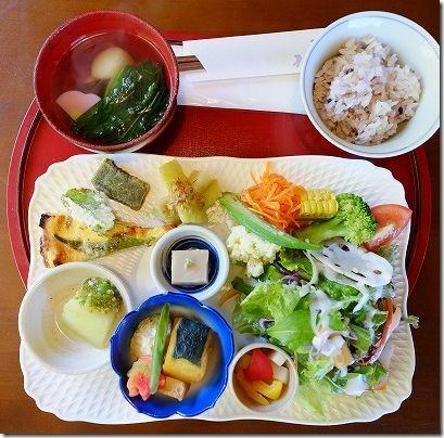 糸島カフェ月うさぎのランチ、お餅野菜