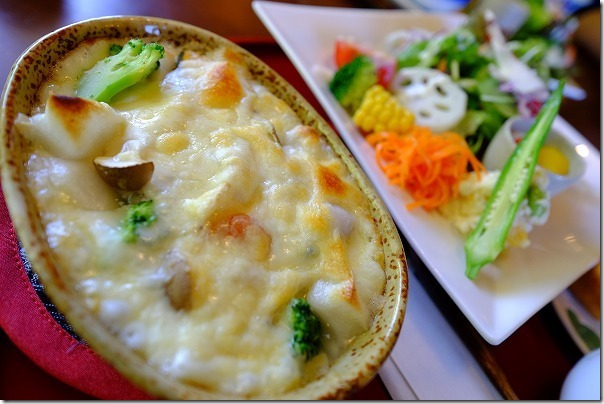 糸島カフェ月うさぎのランチ、餅グラタン野菜たくさん