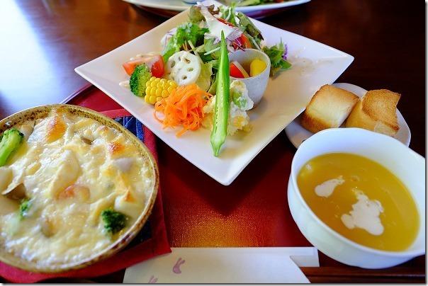 糸島カフェ月うさぎのランチ、餅グラタンセット