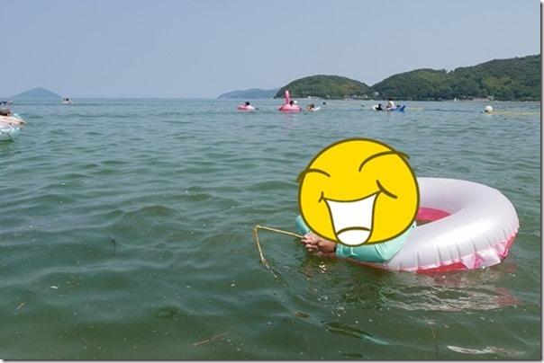 糸島の深江海水浴場で泳ぐ