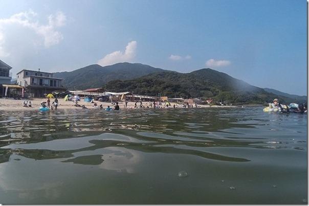 糸島の深江海水浴場の人出