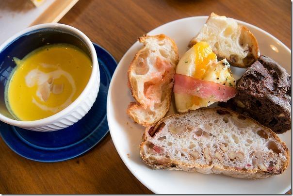 糸島NOANのパン、カット