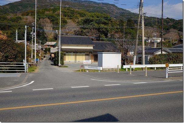 糸島の小富士梅林で梅の駐車場