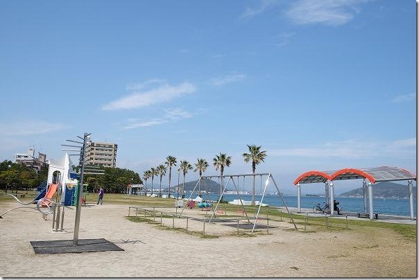 長垂海浜公園には遊具、子供
