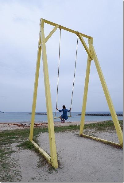 糸島の大きな黄色のブランコ
