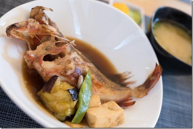 ごはん屋 朔の鯛のあらかぶの煮付け定食