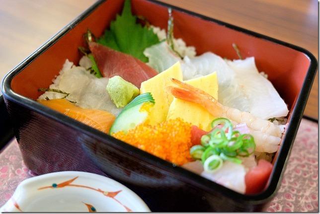 糸島きららの湯の海鮮丼