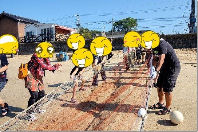 糸島,初音旅館で地引網を引く