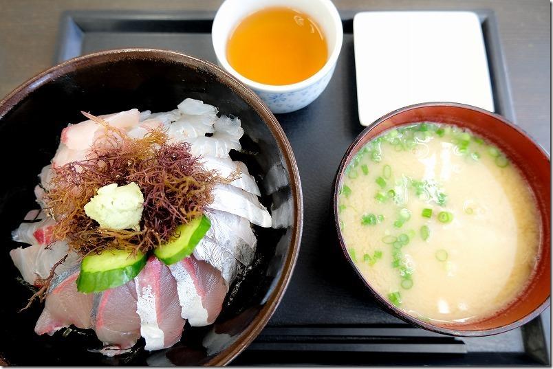 「志摩の海鮮丼屋」の糸島海鮮丼(大)