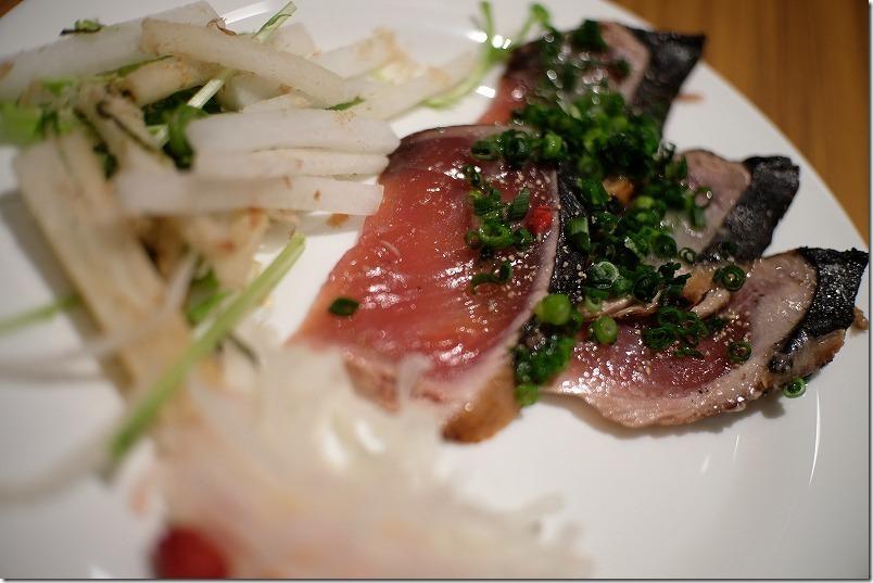 「ヒナタの杜 小戸の湯どころ」のビュッフェの料理。お刺身