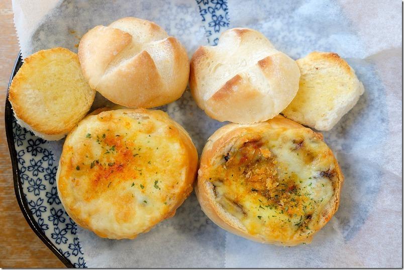糸島市深江、Cafe食堂、Nord(ノール)のパン詰めグラタン、カレーパン