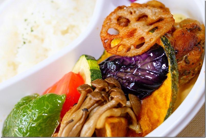 ニセコ/スープカレー(周船寺)のチキンスープカレー/テイクアウト、野菜カレー