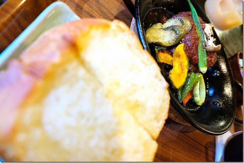 糸島、喫茶、純でランチ。ハンバーグセット、分厚いトースト
