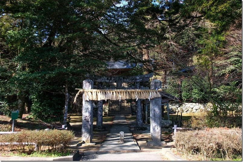 雷山神社から清賀の滝まで散策