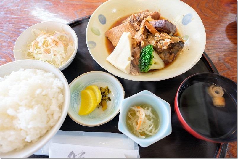 糸島・魚庄のあら炊き定食
