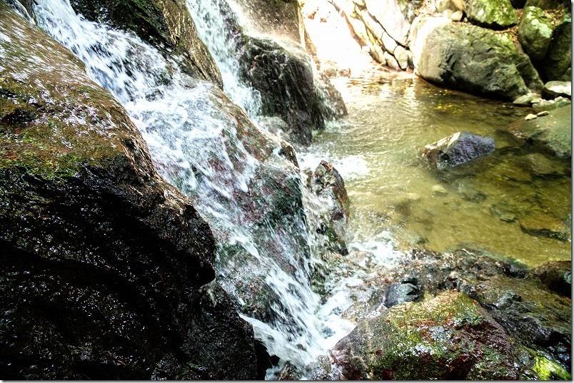 糸島・千寿院の滝、滝壺